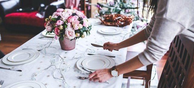 dekoracje stołu na uroczysty obiad